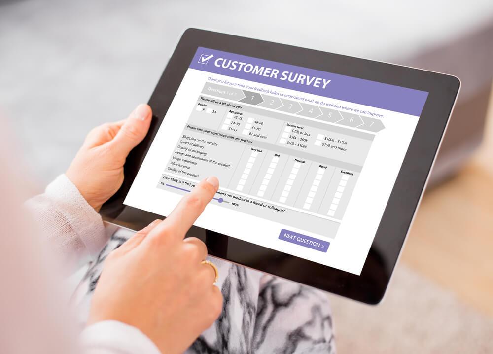 Customer survey on screen