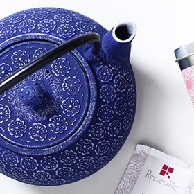 cast-iron-teapot2